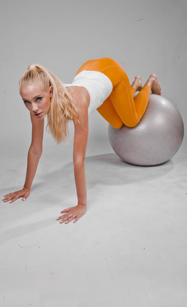 Knee Ups On Stability Ball | BodBot